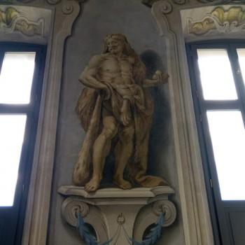 fig 3 Ercole con  i pomi delle Esperidi