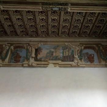 fig 15 Decorazione con rovine architettoniche