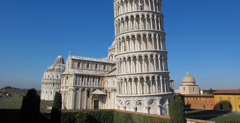 Torre di Pisa. Il nome dell'autore svelato da un'epigrafe